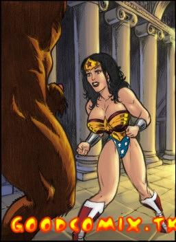 Goodcomix Wonder Woman - Here She Comes! Sexy Wonder Woman Vs. Minotaur